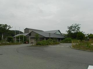 兵庫県立粒子線医療センター外観 こんにちは、名古屋陽子線治療センターの診療放射線技師、上野です。
